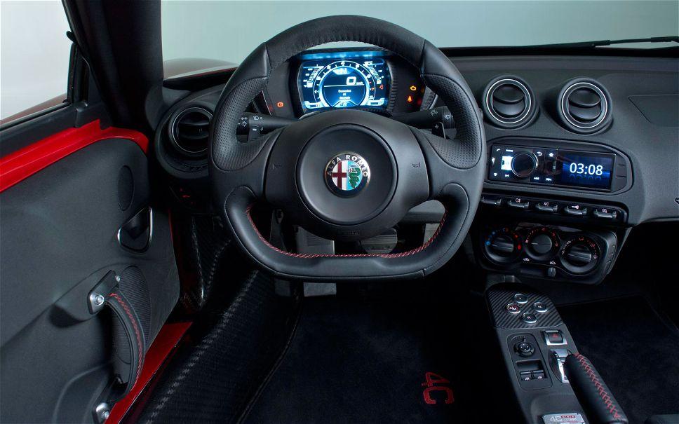 Alfa Romeo 4C interno