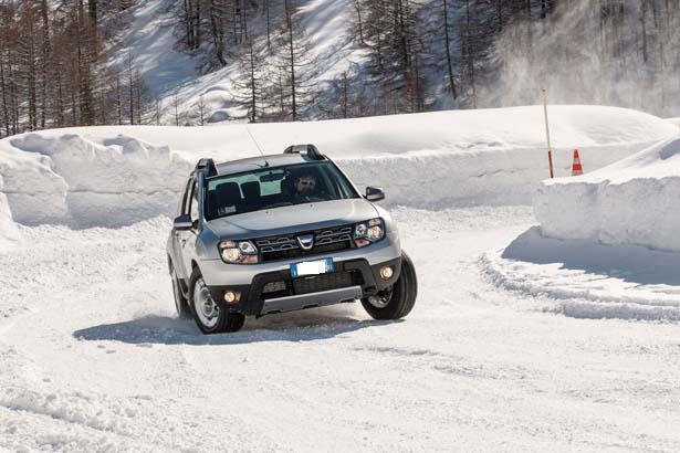 dacia_duster neve