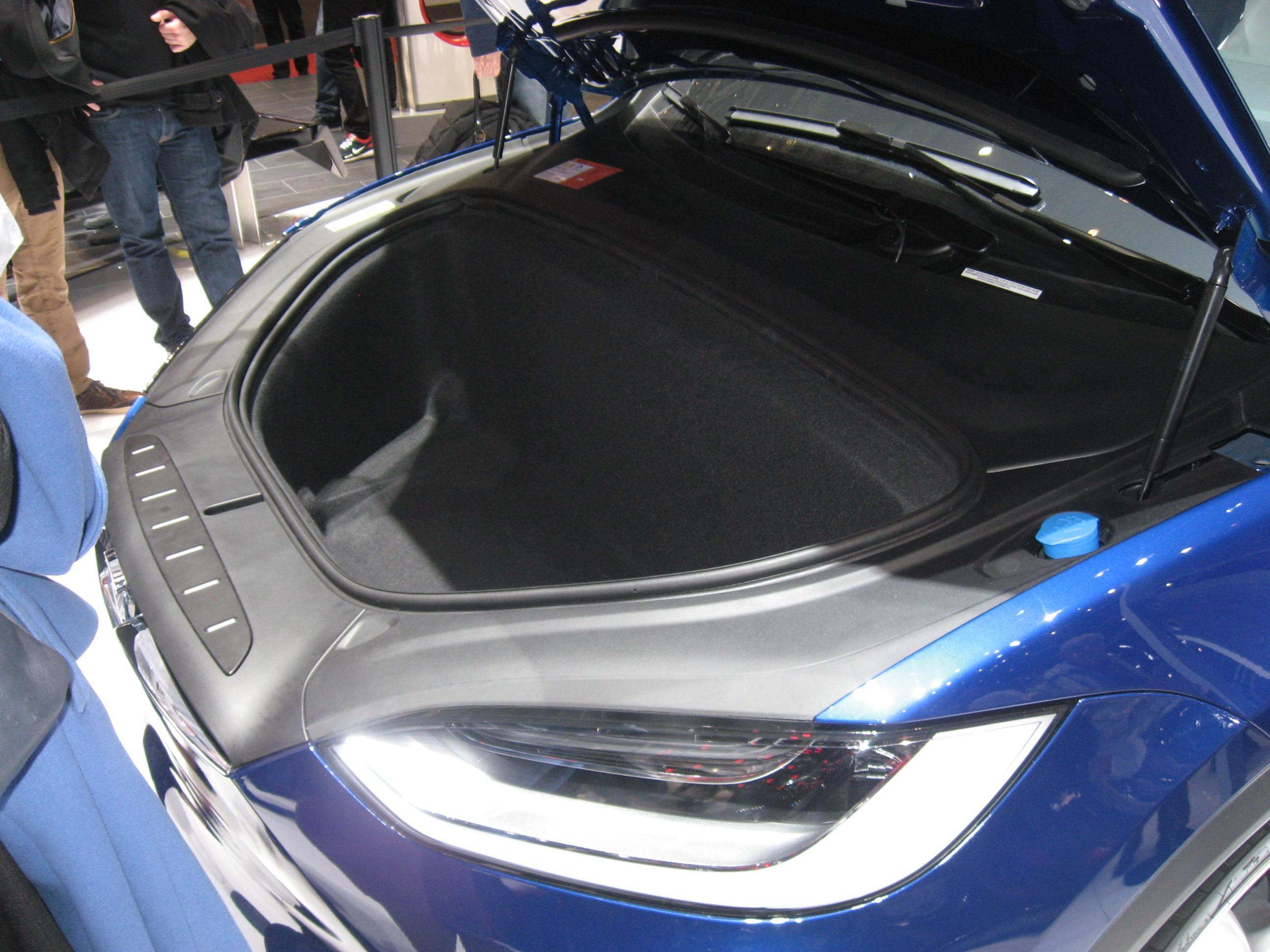 Tesla baule