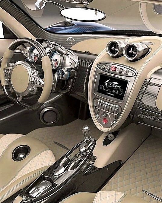 interno huayra roadster